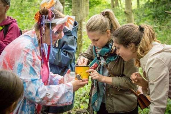 volunteer-at-didsbury-arts-festival